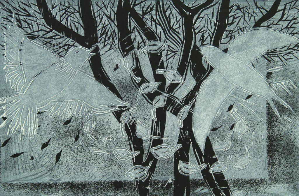 """Grafiikan teos nimeltään """"Syyskiireitä"""", jossa kaksi lintua on lähdössä muuttomatkalle lehtien pudotessa puista."""