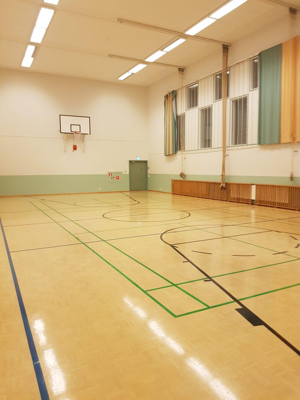 Koulun liikuntasali