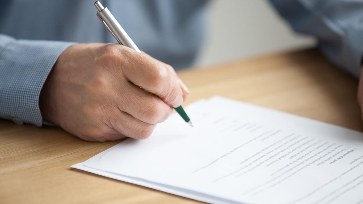 Paperia allekirjoitetaan