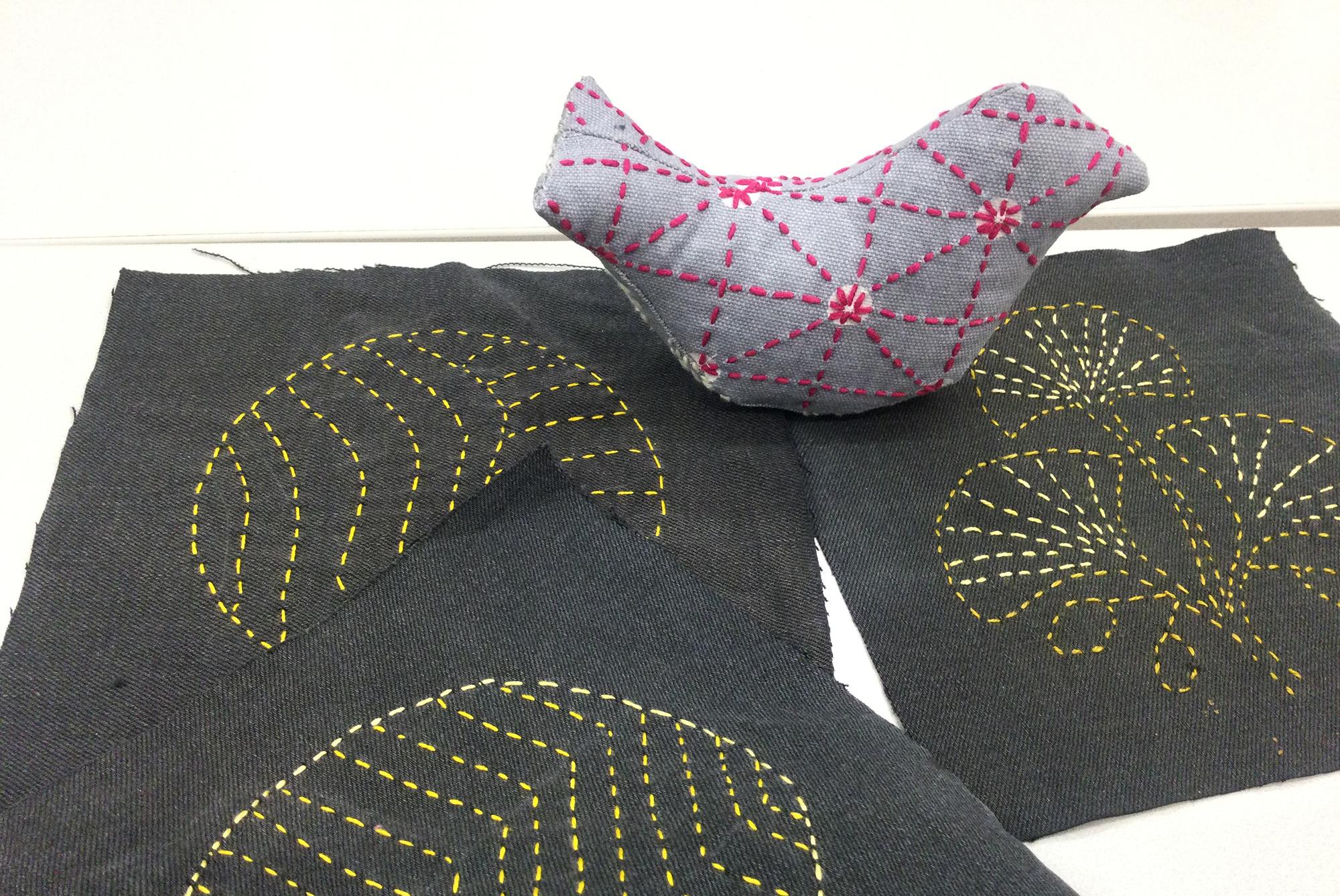 borokirjailtuja tekstiilitöitä