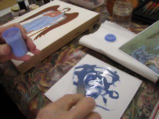 Ikoni maalausvaiheessa; värisävyn sekoitus.