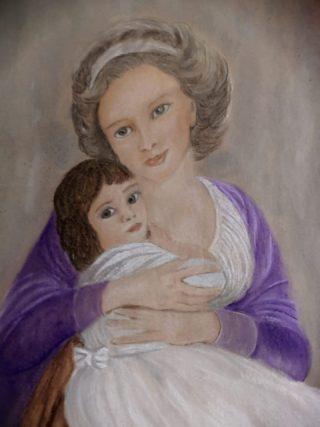 Maalaus, jossa nainen pitää lasta sylissään.