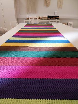 Värikäs matto.