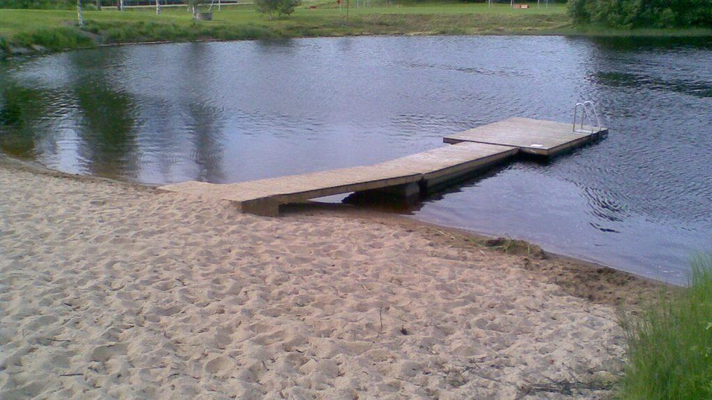 Uimaranta, jossa on laituri