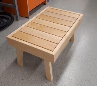 puinen saunajakkara.