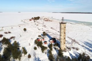 Snowy picture from Harrbåda lighthouse